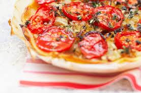 Слоеный пирог с жареными помидорами