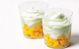 Творожный завтрак с манго и апельсином