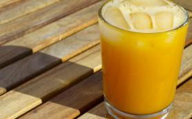 Коктейль из манго и кокоса