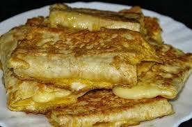 Омлет с сыром в лаваше