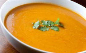 Суп-пюре из перца и чечевицы