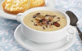 Грибной суп с тостами
