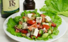 Греческий салат с мятой
