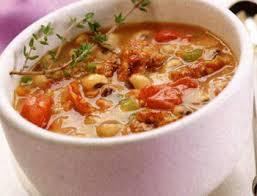 Фасолевый суп со шпинатом и томатами