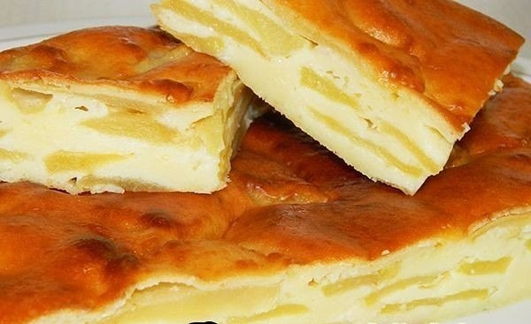 Шарлотка с яблоками рецепт с со сметаной пошагово