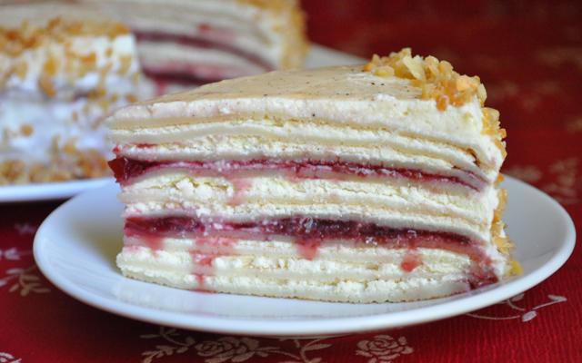 Блинный торт с творожным кремом и фруктами