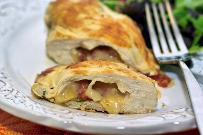 Куриные грудки фаршированные сыром в духовке с фото