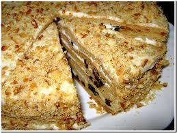 Торт медовый с черносливом