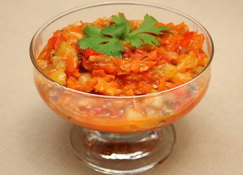 Как приготовить фаршированные кабачки с овощным лечо