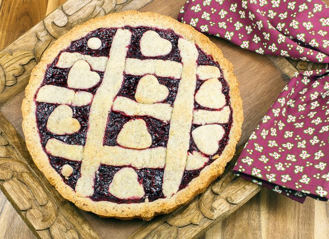 Пирог с вареньем: приготовь нарядный десерт на День святого Валентина