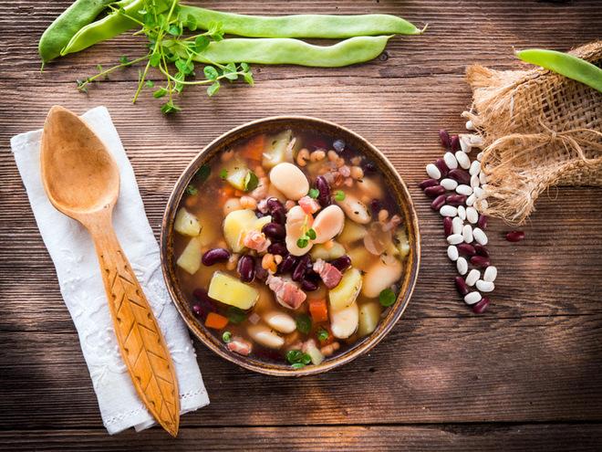 Первые блюда из фасоли: простой фасолевый суп