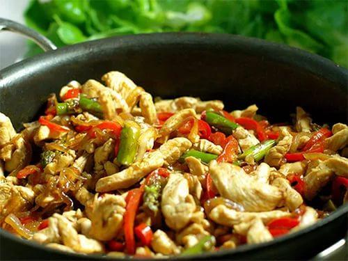 Курица по-тайски, рецепт с овощами