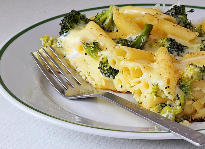 Блюда из брокколи: рецепт пасты под молочно-сырным соусом