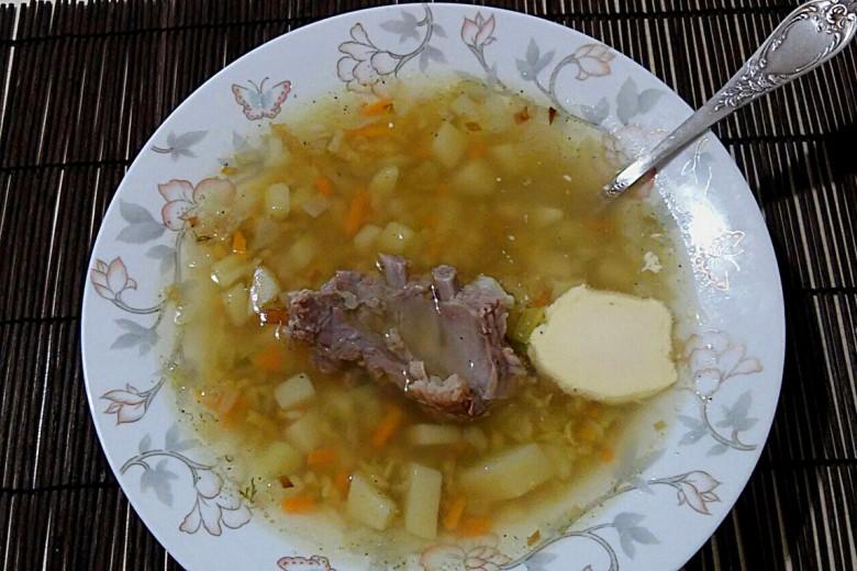 Быстрый рыбный суп с брынзой и оливками