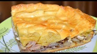 Слоеный пирог с курицей и картофелем на скорую руку