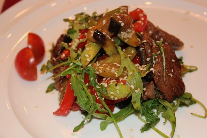Особенности приготовления салата из мяса
