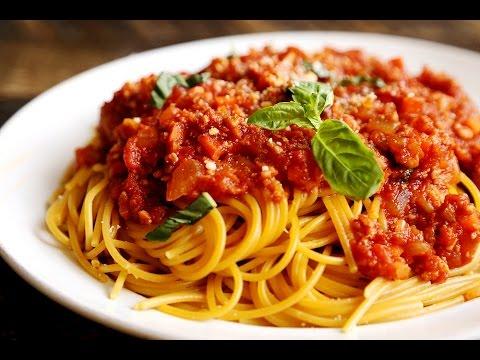 Спагетти с соусом «Болоньез» по-новому