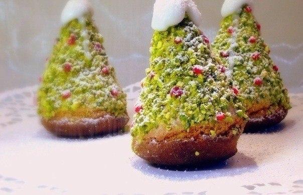 Пирожные бисквитные «Ёлочки»