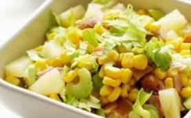 Салат из курицы с ананасами и кукурузой