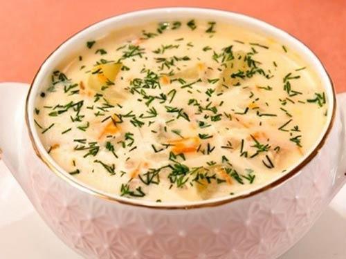 Ароматный супч с копчёной курицей и плавленным сырком