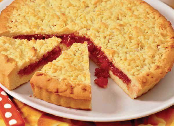 Кучерявый пирог с вареньем