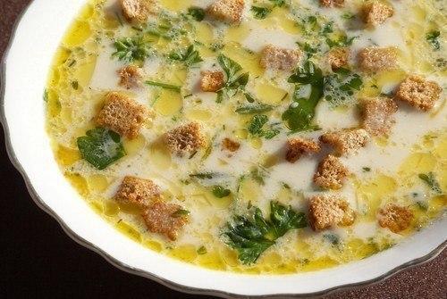 Сырный суп с гренками