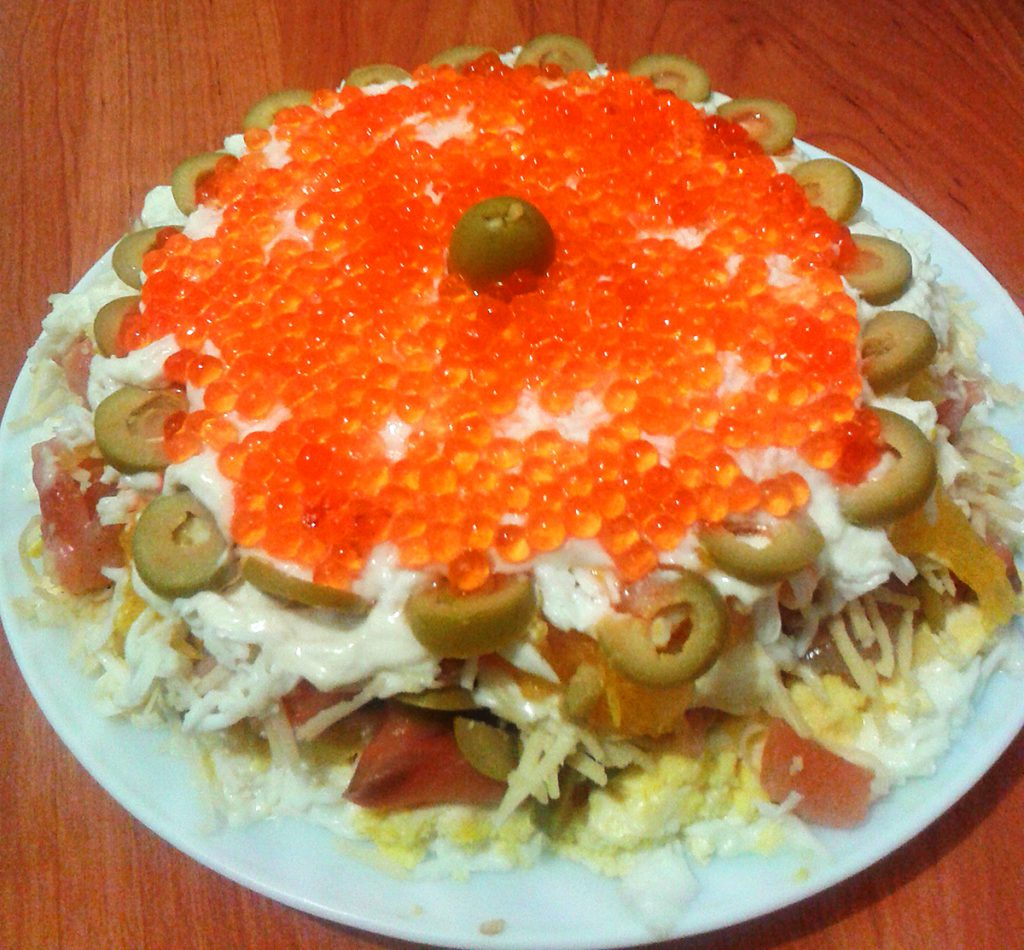 Салат «Жемчужина» с семгой и апельсином