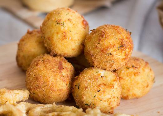 Вкусные и нежные сырные шарики