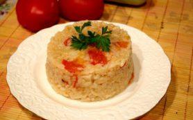 Рис с курицей и помидорами
