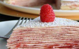 Блинный торт с малиной