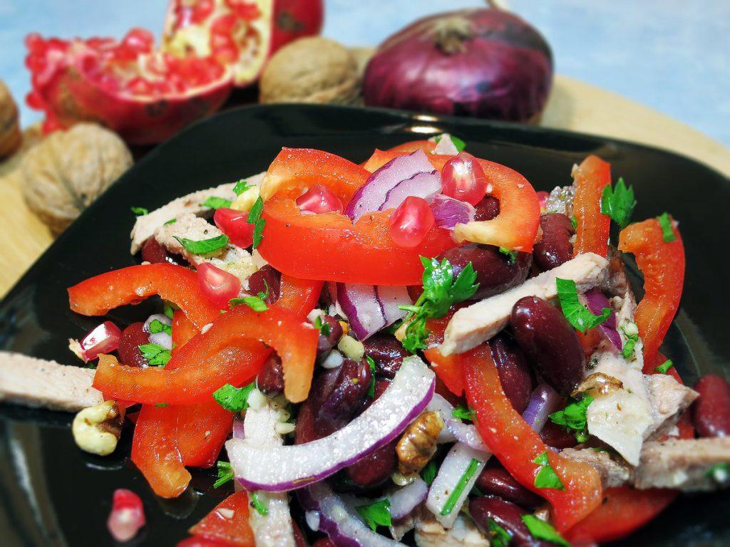 Салат «Тбилиси» с красной фасолью