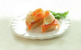 Яйца бенедикт с копченым лососем