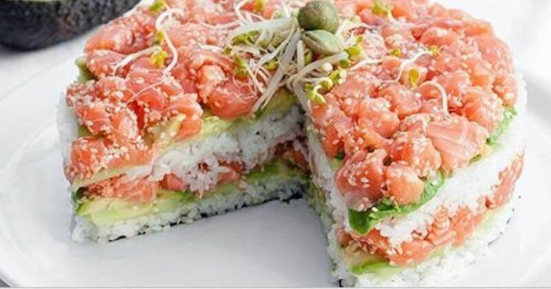 Японский суши-торт с лососем