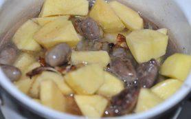 Картофель, тушеный с сердечками