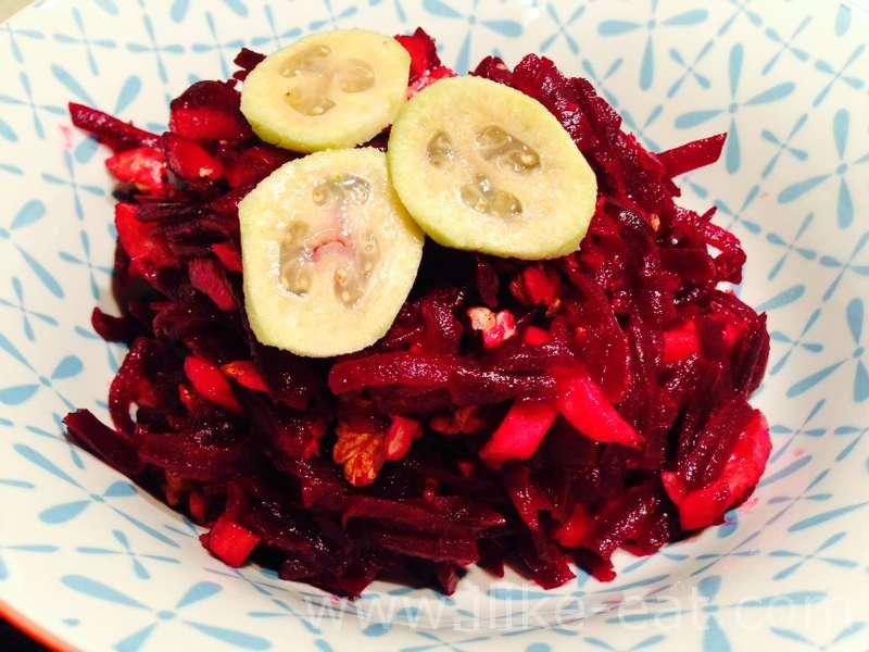Салат из фейхоа и свеклы