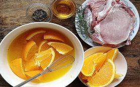Свинина с апельсинами и мамалыга