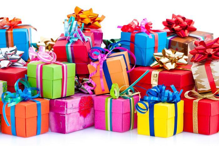 Выбор подарков и сувенирной продукции в интернет-магазине VIPOMANIA.RU
