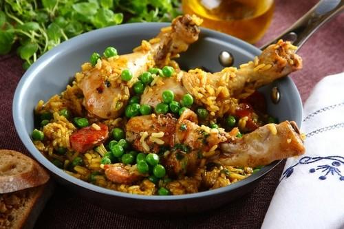 Паэлья с куриными ножками и овощами