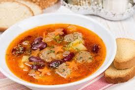 Пряный суп из фасоли с фрикаделями
