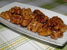 Грецкие орехи в карамели с кунжутом