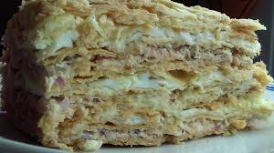 Слоеный закусочный торт