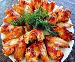 Хрустящие куриные крылышки в пряной панировке с запеченным картофелем