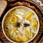 Шотландский куриный суп с луком-пореем