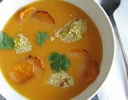Суп из сладкого картофеля с курицей в кунжуте