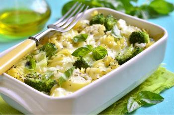 Простой овощной салат с оригинальной заправкой