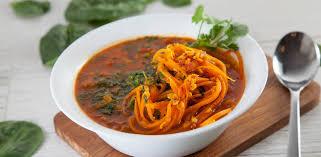 Пряный суп с овощной лапшой