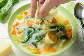 Итальянский свадебный суп с фрикадельками