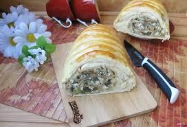 Кулебяка с грибами и яйцами