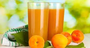 Летний абрикосовый смузи
