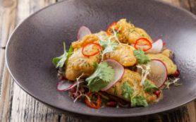 Салат с хрустящим кальмаром